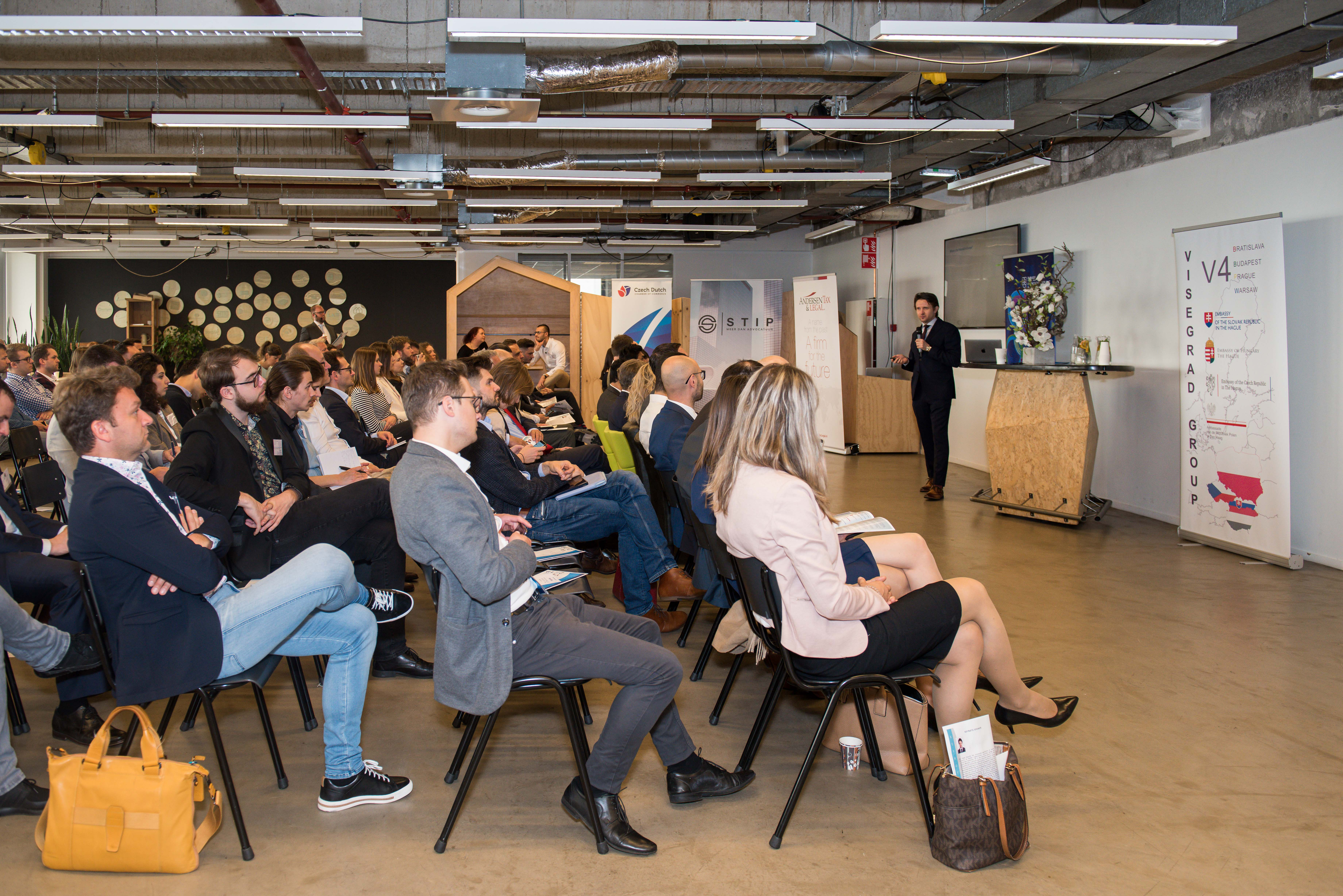 V4 Startups photo