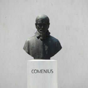 statue_comenius
